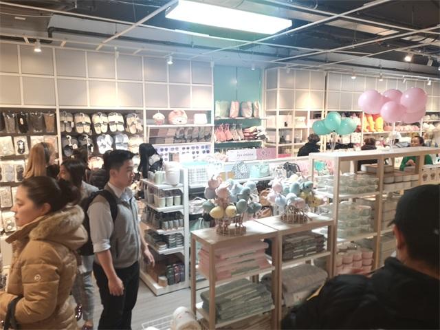 YOYOSO美國紐約新店開業人頭涌動
