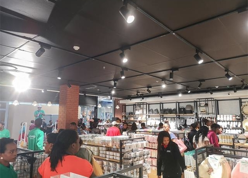 韓尚商學院:快時尚百貨行業的市場前景怎么樣?加盟可不可以做?