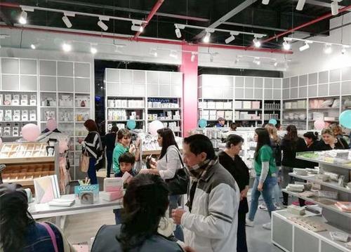 韓尚優品商學院:影響快時尚百貨十元店的利潤因素有哪些?