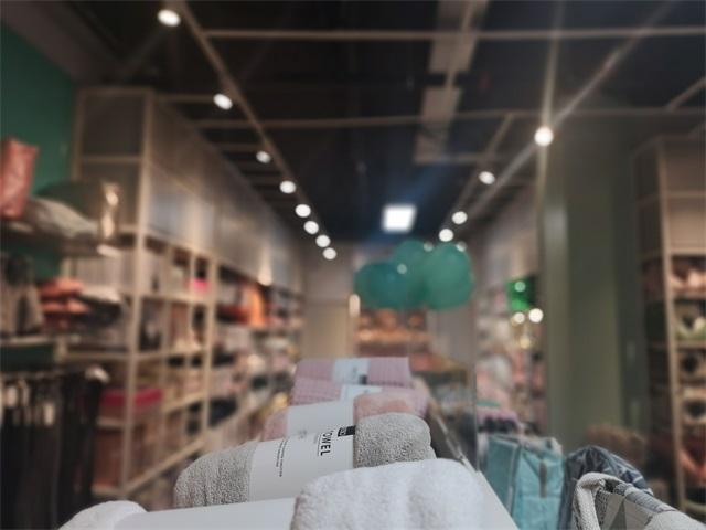 加盟快時尚百貨,首先韓尚優品快時尚品牌