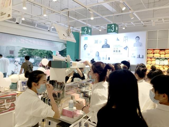 YOYOSO韓尚優品是美學生活設計師品牌,全球門店1000余家