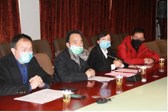 缙云县疫情防控期间稳企法律服务团深入晨龙锯床开展服务!