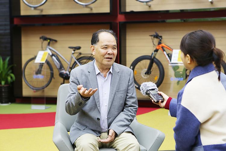 总裁接受省媒体的采访.jpg